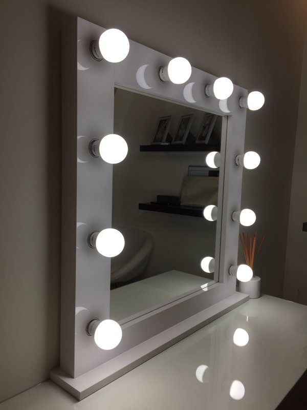 MODERN WHITE GLOSS MAKEUP MIRROR WITH LIGHTS