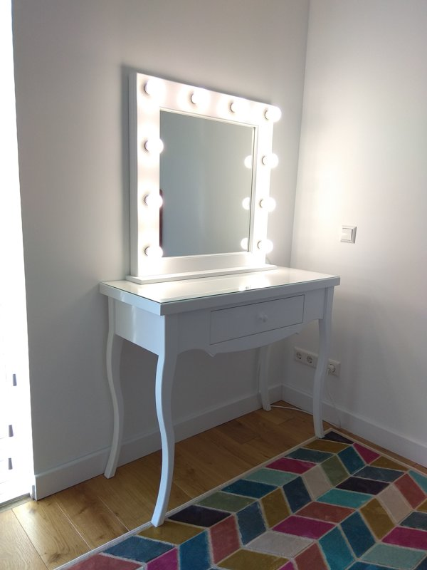 FRENCH STYLE MAKEUP TABLE/MIRROR SET