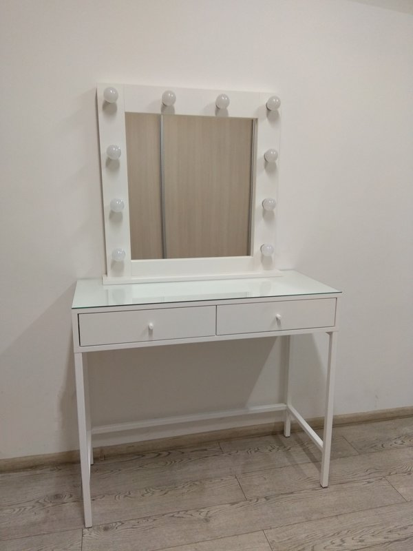 MODERN WHITE MAKEUP TABLE/MIRROR SET WITH METAL LEGS