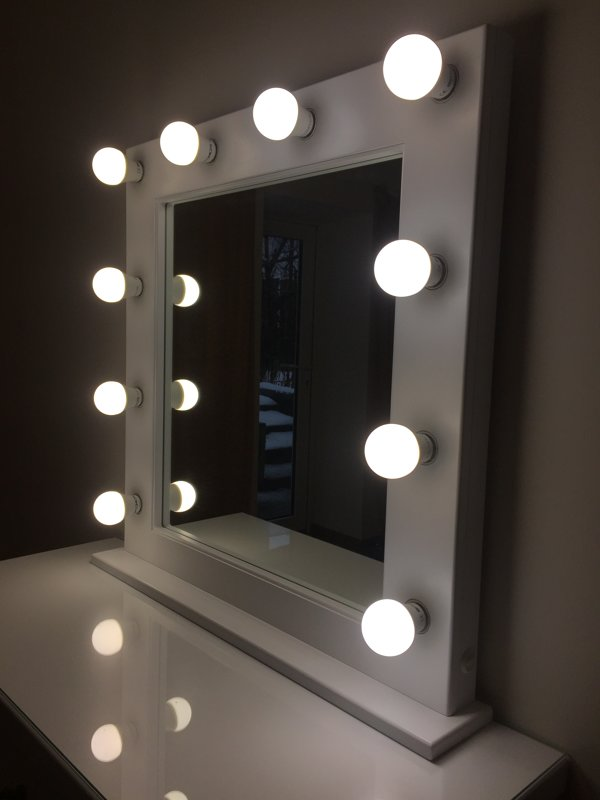 FRENCH STYLE MAKEUP MIRROR WITH LIGHTS