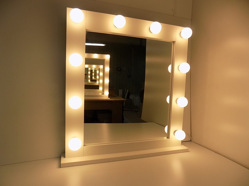 MODERN WHITE MAKEUP MIRROR WITH LIGHTS