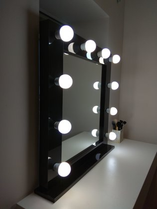 MODERN BLACK GLOSS MAKEUP MIRROR WITH LIGHTS